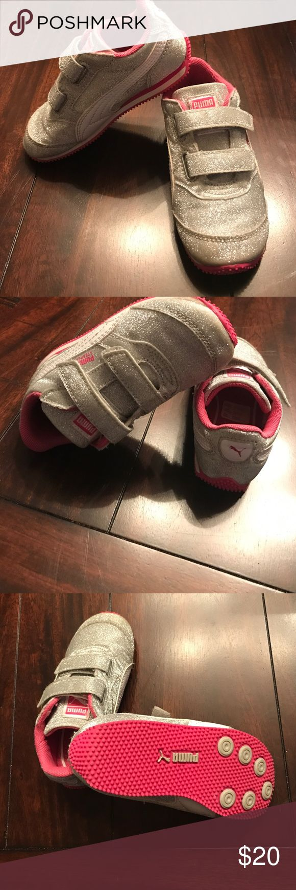 PUMA TODDLER Girls 💕⭐️💕⭐️beautiful sparkly with pink & white accents shoe for baby girl. ( only worn in the home never outside ) size toddler 8 velcro strap LIKE NEW .. make an offer ⭐️💕⭐️💕 Puma Shoes Sneakers