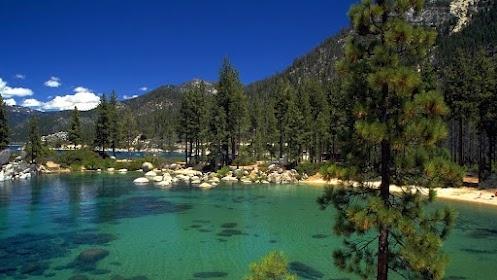 Озеро Тахо находится на границе штатов Калифорния и Невада, США