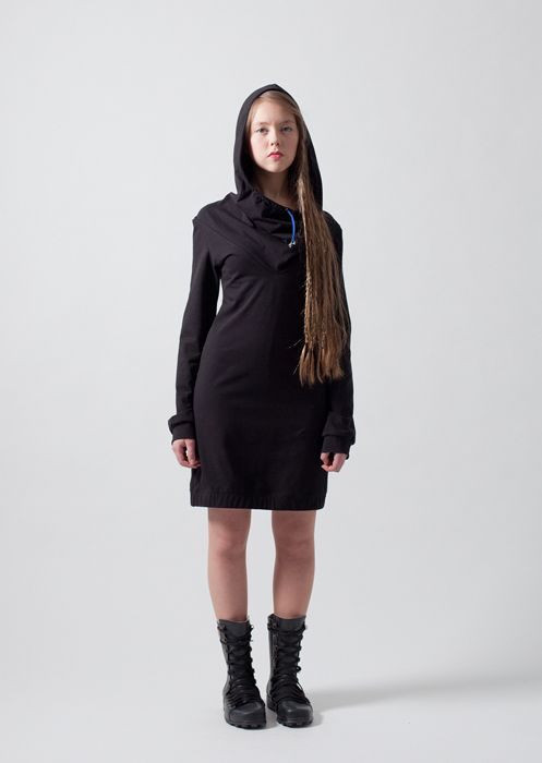 Oops / Long-sleeved hooded dress with fitted side seams and back. Made of Pure Waste tricot 60% cotton 40% polyester. Wash 40c, iron two dots. Colours: black, grey. Measurements in cm:  Bust/waist/hip S/88/74/92, M/94/80/98, L/98/86/104, Lenght S/84, M/88, L/92, Sleeve lenght S/65, M/66, L/67. Price: 109€