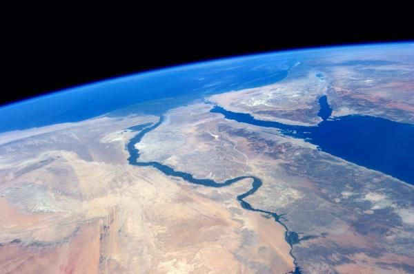 Nile from space Join me @ https://www.facebook.com/Sunambaw https://twitter.com/sunambaw  http://www.DesktopLightning.com/sunambaw
