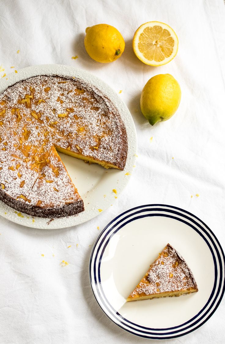 Dieser Zitronen-Ricotta-Kuchen ist nicht zu süß und schmeckt nach dolce vita: Ein saftiger Zitronenkuchen in italienisch angehauchter Variante.