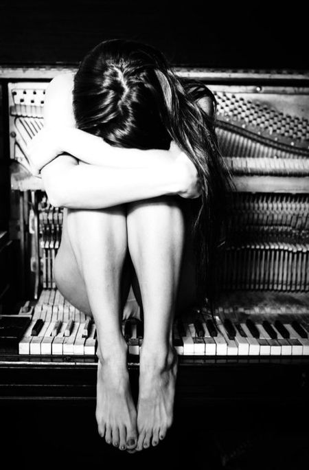 black and white photos nude women playing piano