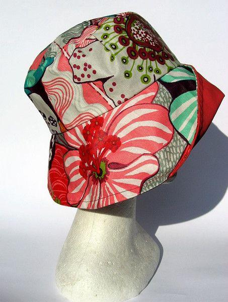 Hüte - blumiger Regenhut  - ein Designerstück von Janecolori bei DaWanda