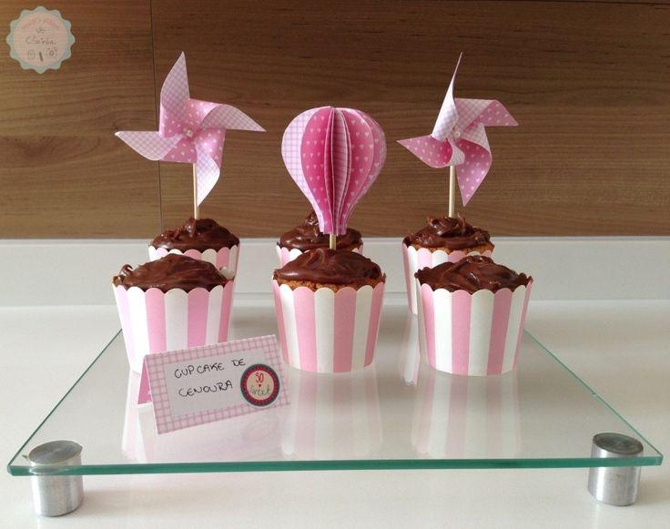 Que tal criar balões e cata-ventos de papel para decorar sua festa? Nós fizemos um passo-a-passo bem explicadinho, vem ver!