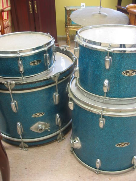 The current ReUstore auction has a well used vintage Coronet Drum kit (no stands). Definitely needs TLC but this is an awesome collectible!  Visit The ReUstore Saturday, March 24th, 2012 at 12pm when bidding goes live and the auction closes.  For more information visit www.ccs4u.org or call 905-857-7824