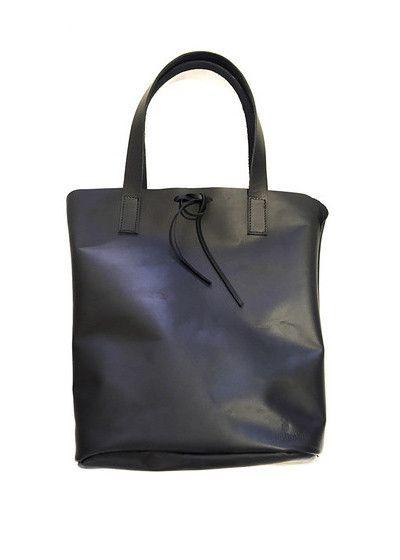 TOTEM BLACK LEATHER BAG