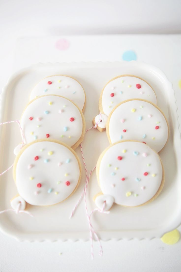Cookies from @Christina & Kahler naomi and @Leanne Ambrogio | Sweet Style. See the rest of this beautiful gallery: http://www.stylemepretty.com/living/gallery/picture/1222357/