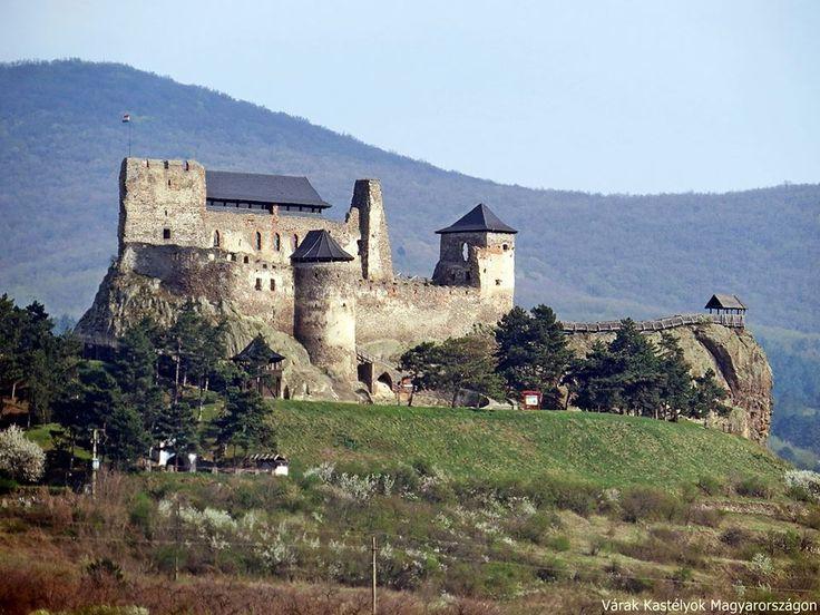 Boldogkőváralja - Boldogkő vára (Castrum Boldua 1282.) -