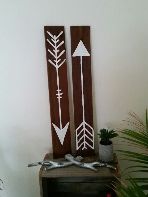 Giant timber arrows.  80cm tall  www.facebook.com/mickeyssigns