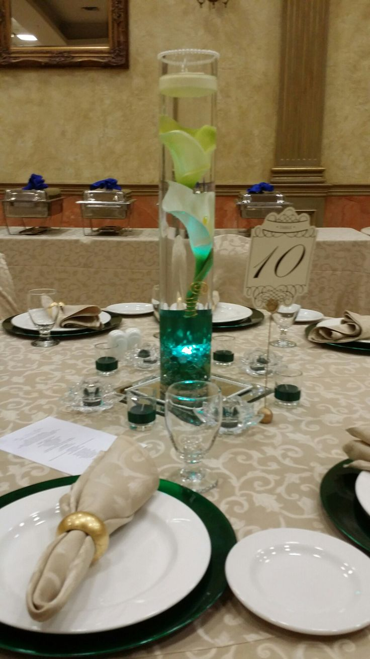 Tall calla lily wedding centerpiece. Emerald and gold wedding. Yvana's Decor