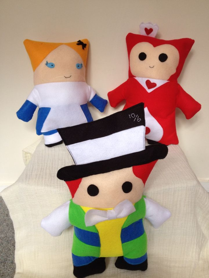 Alice in Wonderland, Red Queen, Mad hatter, plush pillows felt decorative toys.  Available for sale:  Https://www.etsy.com/shop/StickandOopel