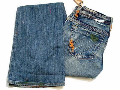Как самостоятельно окрасить джинсы в синий цвет