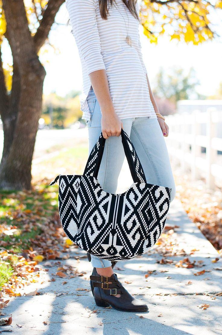 Amazon.com: Carolina Sweethearts Black and White Aztec Tote Bag: Clothing