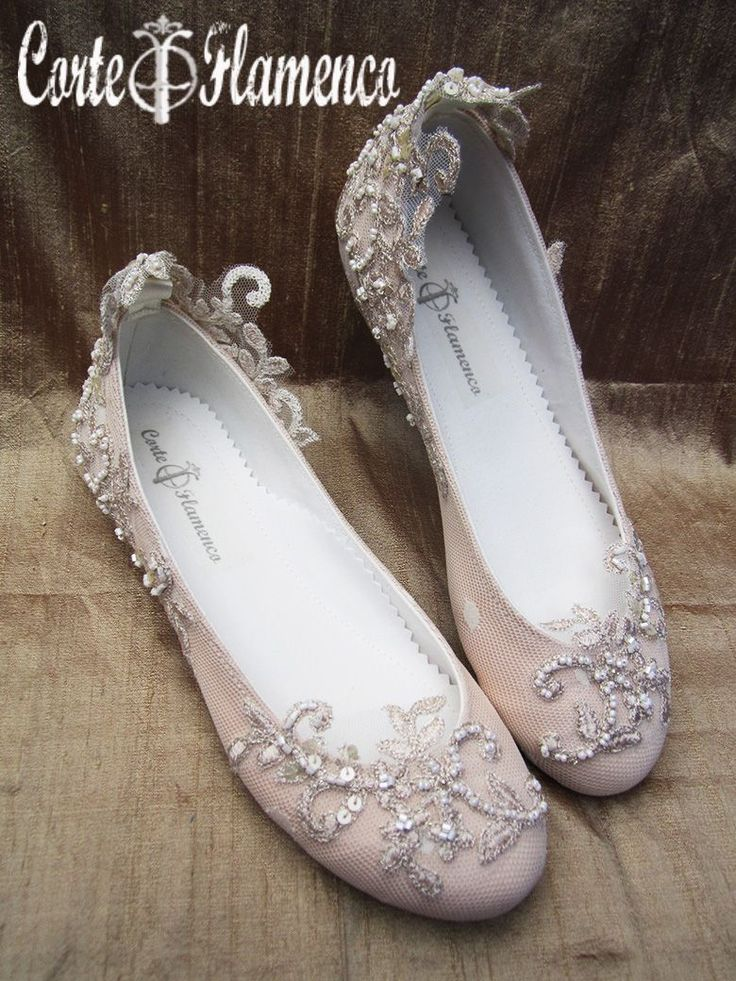 Tes cuesta entender de que se trata esto de hacerte un zapato único. Como ejemplo te traigo 7 zapatos exclusivos de comunion diferentes para un mismo vestido