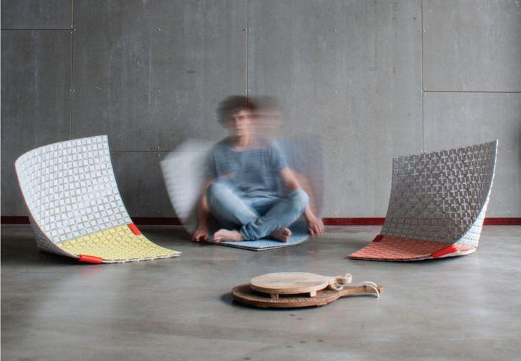 Sam Linders, jeune designer de la Design Academy Eindhoven nous présente son projet de diplôme WOBBLE-UP hybride entre tapis et système d'assise modulable