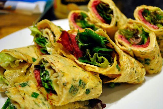 Rozsmakuj się!: Nadziewane wrapy z cienkich omletów