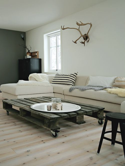 #pallet #livingroom #white #neutral