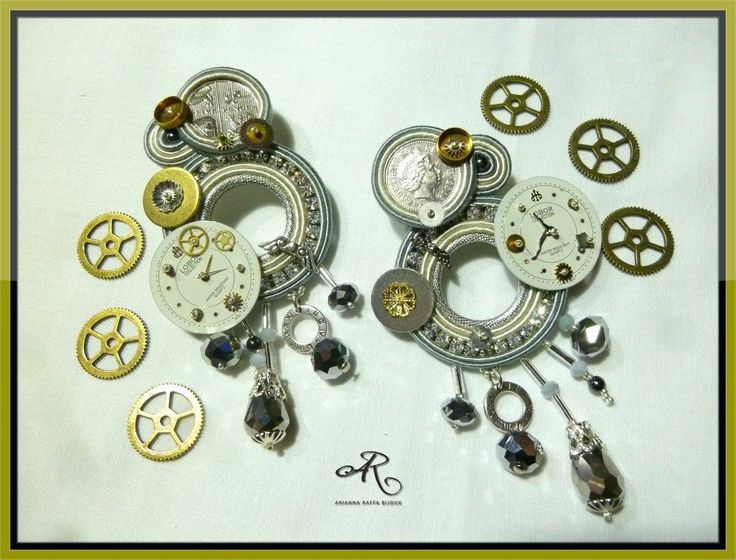 """Orecchini soutache """"Steampunk"""" con monete e quadranti di orologi veri..."""