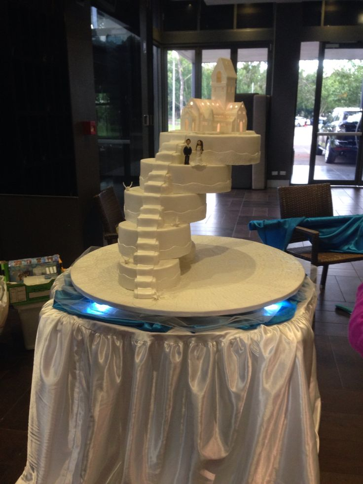 image of a stairs in wedding cake stairway to heaven wedding cake cake 16312