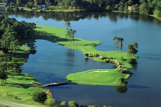 """Oyster Bay at Legends Golf & Resort, is our #GolfCourseOfTheDay! It was called the """"Resort Course of the Year"""" by Golf Digest in 1983! 