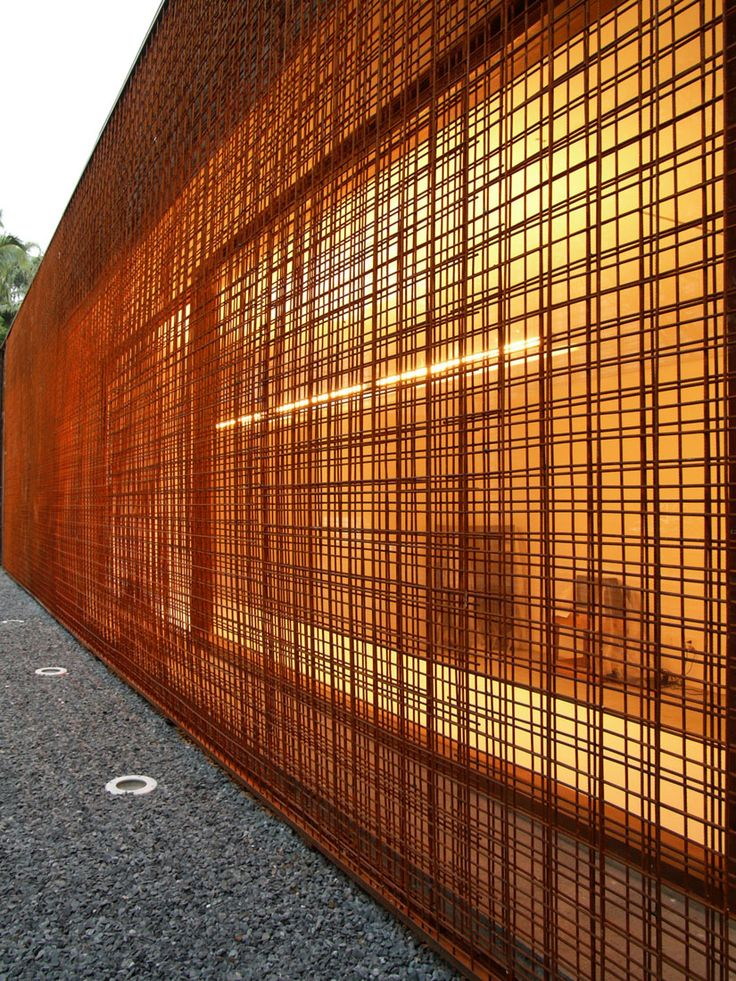 Maori modern architecture fence | This project is the retail furniture store Vitra located in São Paulo ...