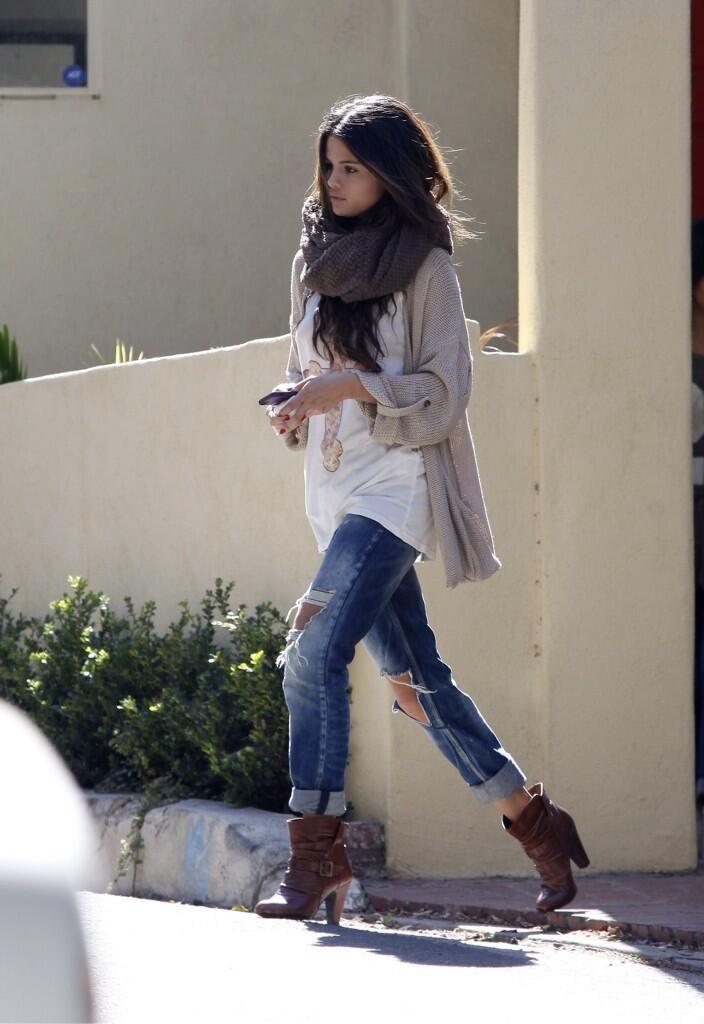 I do love Selena Gomez's style