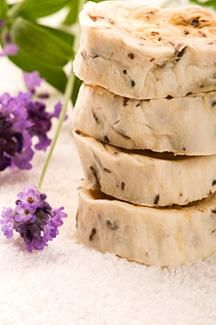 home made soap-Another way to make soap without lye is to use plants that are high in saponin, a soapy substance. These have been used since ancient times to clean clothes, bodies and homes. In the history of soap making, plants have been used much longer than other soap products.    Supplies  1/2 cup of soapwort leaves or root  Four cups distilled water  Large enamel pan  Lavender essential oil