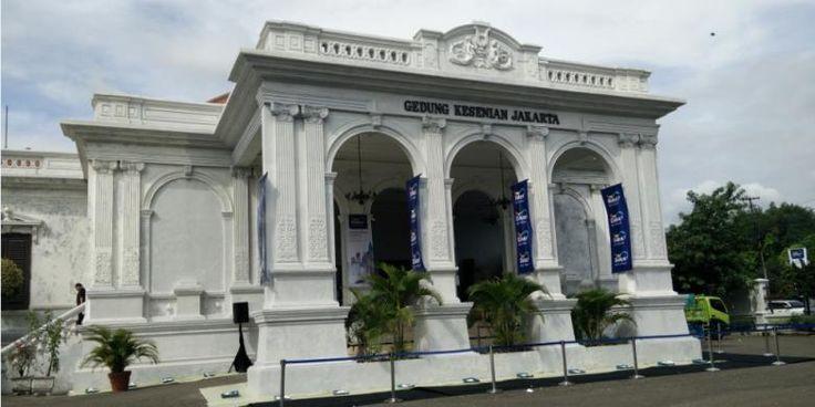 Pemugaran Gedung Kesenian Jakarta Harus Disetujui TSP   11/01/2015   JAKARTA, KOMPAS.com - Cagar budaya dan situs bersejarah yang sudah berdiri puluhan bahkan ratusan tahun, kondisinya semakin menurun dari waktu ke waktu. Untuk menjaga kelestarian dan keindahannya, perlu ... http://news.propertidata.com/pemugaran-gedung-kesenian-jakarta-harus-disetujui-tsp/ #properti #jakarta