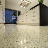 Creswick white quartz with off-white cement with white oxide