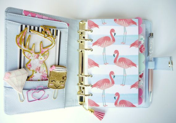 Super cute planner dashboard for all you flamingo lovers out there.  Made to fit personal sized planners like the medium Kikki K, A5 and pocket