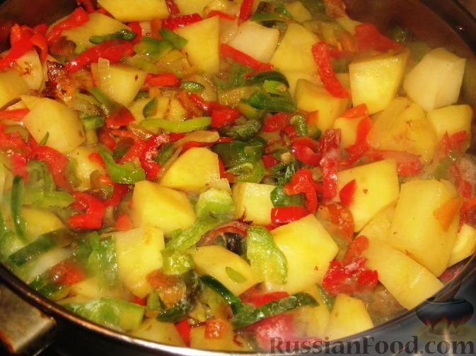 Гювеч болгарский - очень вкусное второе блюдо – мясо, тушенное с овощами, в меру острое