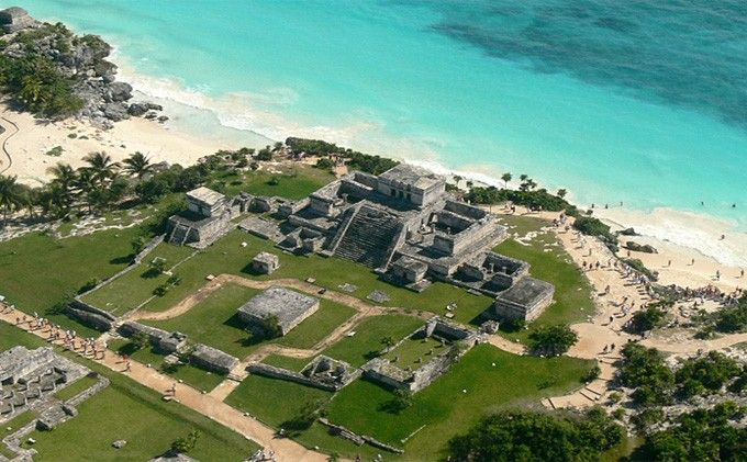 Tulum ruins are the only ones on the coast. This tour is amazing because you can combine the pyramids with one of the best beaches in the world.