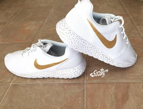 a5d5e862d7354 Womens Custom Nike Roshe sneakers