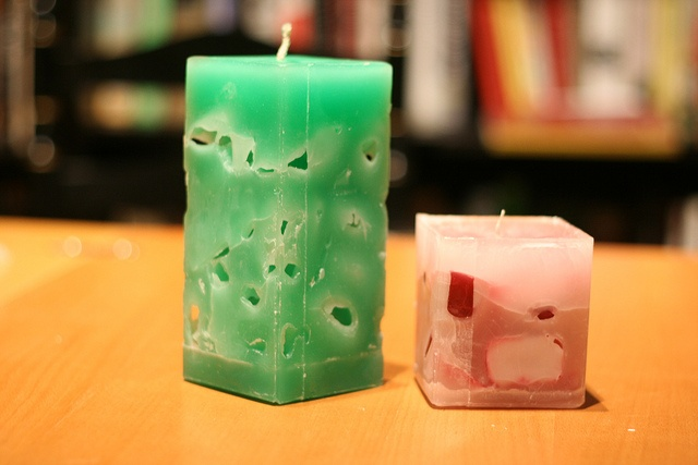 """A rainforest ice candle and a """"plum pudding model"""" candle.     nice CandlesPretty candlesFor more handmade candles see"""