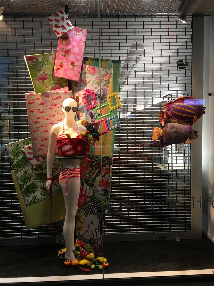 """GATES EYEWEAR, Remuera Road, Newmarket, Auckland, New Zealand, """"There are plenty more fish in the sea"""", creative by Ton van der Veer"""