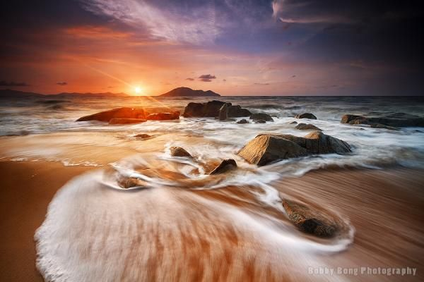 Dancing waves - Landscape Photography by Bobby Bong  <3 <3