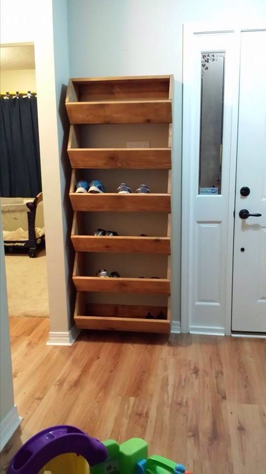 Best 25 diy shoe rack ideas on pinterest diy shoe storage shoe rack pallet and shoe shelf diy - Shoe storage ideas small space image ...