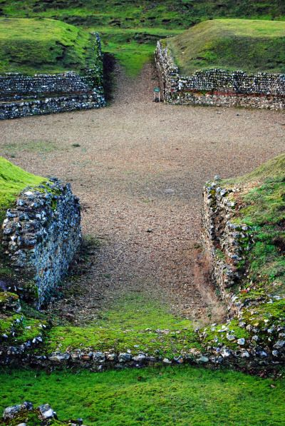 ANCIENT ART  The Theatre of Verulamium: Britain's only Roman theatre still visible today. Located in modern-day St Albans, England.  3/9