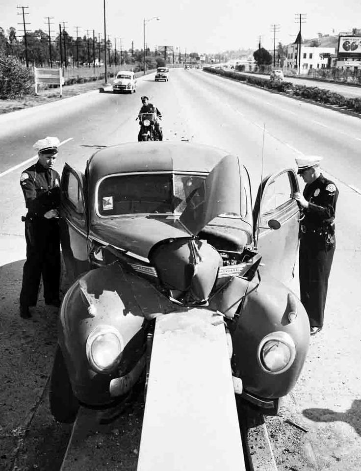 403 best Crazy Crashes images on Pinterest | Vintage cars, Antique ...