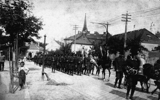 Az Ostenburg-zászlóalj Sopronban 1921 augusztusában (mek.niif.hu)