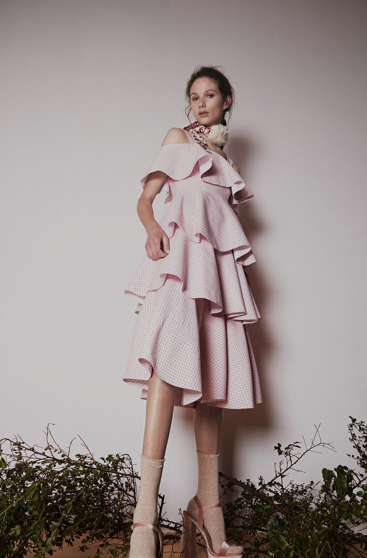 Huishan Zhang Pre,Fall 2017 Fashion Show
