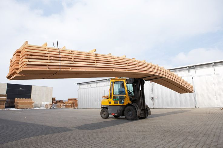 15 meters long Douglas planks being transported in our production