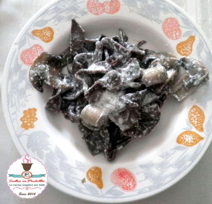Tagliatelle al cacao con Ricotta al Tartufo salsiccia e funghi, ricotta, cacao, tartufo, salsiccia, olio, facili, veloci, primo piatto, al dente, inverno,