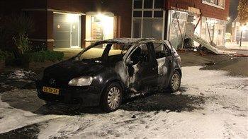 Volkswagen Golf   Berlicum en Uden: Plofkraken geldautomaten