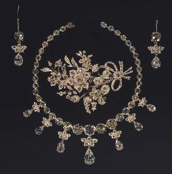 RoyalDish - Danish Royal Jewelry -The Diamond Parure - Glenn Slaikjaer's Danish Royal Jewels