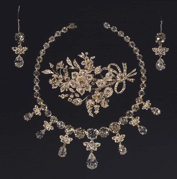 Russian Royal Jewels | The Diamond Parure - Glenn Slaikjaer's Danish Royal Jewels