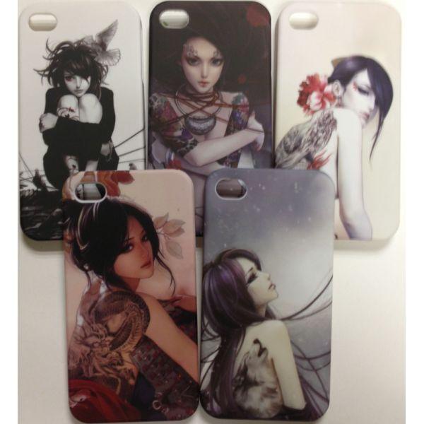 iPhone 4 / 4S Manga Cover. iPhone cover til iPhone 4 / 4S med mørkt print af gotisk og forførende manga pige. Er både et iPhone 4S cover og et iPhone 4 cover Vælg mellem fem flotte iPhone covers.