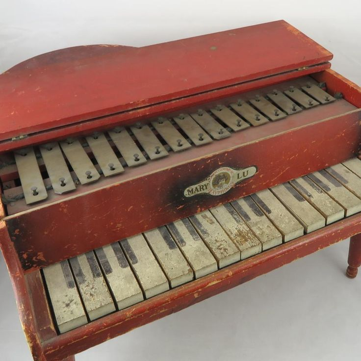 17 best images about little vintage toy pianos other for Small grand piano
