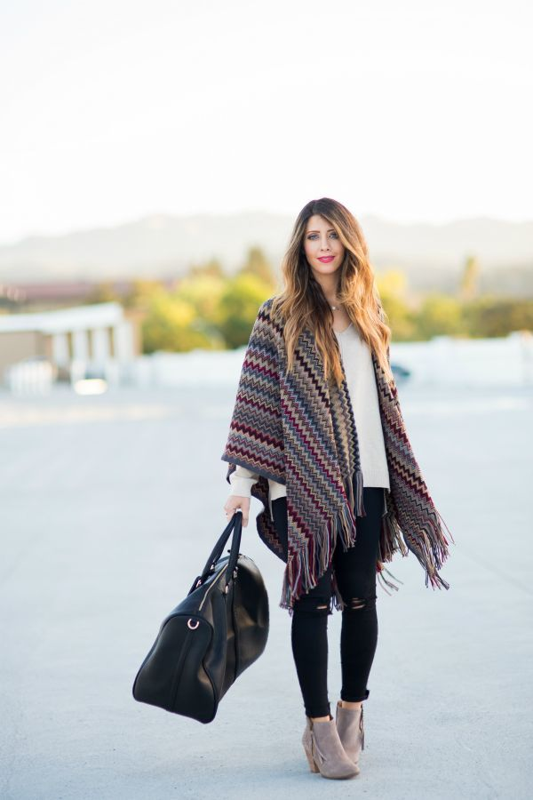 Perfect Poncho + Booties | how to style a poncho | how to wear a poncho | poncho fashion tips | fall style | fall outfit ideas | outfit ideas for fall | fashion tips for fall | style ideas for fall | cool weather fashion || The Girl in the Yellow Dress #fallfashion #poncho