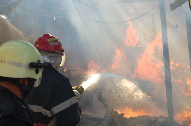 Un incendiu puternic a izbucnit, marti dimineata, la un restaurant situat in Centrul Vechi al Capitalei. Pompierii Inspectoratului pentru Situatii de Urgenta (ISU) Bucuresti intervin, la ora transmite